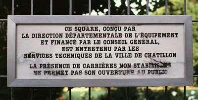 29 Pancarte du square situé à la place de la maison du coiffeur (1983)