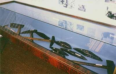 31 Exposition de 1983 : collection d'outils de carriers et de tailleurs de pierre